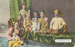 """CPA BIRMANIE """"Famille Birmane"""" - Myanmar (Burma)"""