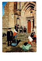 Cpm - 87 - Saint Junien - Folklore Joueur De Vielle - LOUS VELHADOURS DE SEN-JUNIO Portail Chapelle - Saint Junien