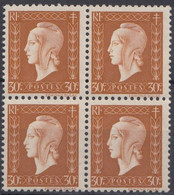 1945 FRANCE N** 683 Bloc De 4  MNH - Unused Stamps