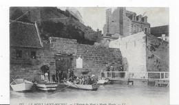 50   LE  MONT SAINT MICHEL    ENTREE DU MONT BARQUES   BON ETAT   2 SCANS - Le Mont Saint Michel