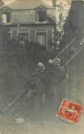 020521 - CARTE PHOTO - 14 LA CAMBE - Carte Photo Foklore Pipe Pot De Chambre Maison Villa - Andere Gemeenten