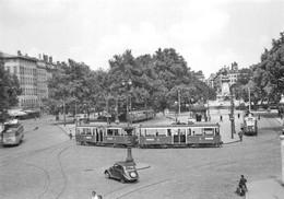 Lyon 2 Gare Perrache Tramway Autocar Trolleybus - Lyon 2