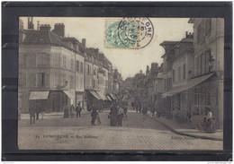 60113 . COMPIEGNE . RUE SOLFERINO . ANIMATION . CIRCULEE . 1906 - Compiegne