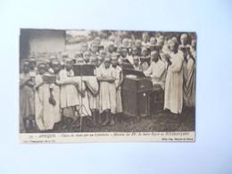 KENYA  -  TANZANIE  -  KILIMANJARO  -  Classe De Chant Par Un Catéchiste   -  Missions Africaines  - - Kenya