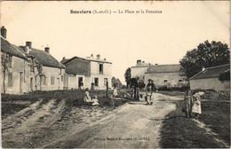 CPA BOUVIERS La Place Et La Fontaine (809900) - Other Municipalities