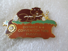 PIN'S  ANIMAUX   CASTOR  LIONS CLUB  INTERNATIONAL   DISTRICT A 4  CONVENTION 1986   RUSSEL    51X32mm   Email Grand Feu - Autres