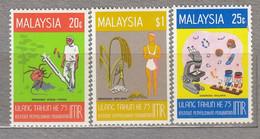 MALAYSIA 1976 Medicine Agriculture MNH(**) Mi 145-147 #27555 - Malaysia (1964-...)