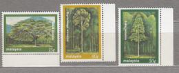 MALAYSIA 1981 Nature Forest Trees MNH(**) Mi 231-233 #27556 - Malaysia (1964-...)