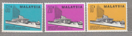 MALAYSIA 1976 Sarawak Buildings MNH(**) Mi 151-153 #27571 - Malaysia (1964-...)