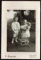 C1900 - Photo Jeunes Enfants - Garçon Et Fille / Fillette Avec Sa Poupée - Photographe V. GAILLARD Andenne - Voir Scans - Personas Anónimos