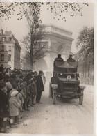Photo Presse  18 Cms X 13 Cms  1928-1929?? PARIS   COMMEMORATION DE L'ARMISTICE  PHOTO MEURISSE - Oorlog, Militair