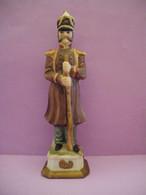 Statuette En Porcelaine Soldat De L'armée De NAPOLEON (6 Photos) Voir Description - Andere
