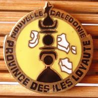 Joli Pin's Nouvelle Calédonie, émail Grand Feu, TBQ, Pins Pin. - Cities