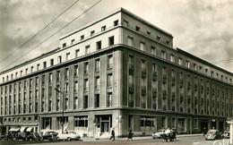 BREST HOTEL MODERNE AVEC AUTOMOBILES  RENAULT 4 CV  ET PANHARD - Brest