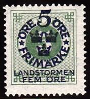 1916. Landstorm I. 5+Fem Öre On 5 ö Green __Wmk Wavy Lines And Letters. (Michel 89 (Facit 108cz)) - JF102032 - Unused Stamps