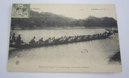 COURSE DE PIROGUES A LUANG PRABAING Salut Avant Le Départ  REF 21 - Laos
