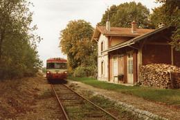 Fontvannes (ligne De Sens-Saint-Clément à Troyes). Autorail XR 8505+X4305. Cliché Jacques Bazin. 14-10-1989 - Trains
