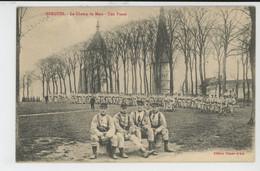 BERGUES - Le Champ De Mars - Une Pause (militaires ) - Bergues