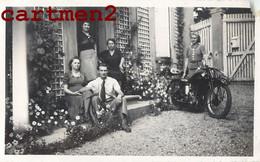 LOT DE 4 PHOTOGRAPHIES ANCIENNES : MOTO MOTOCYCLE 19 AOUT 1940 - Motos
