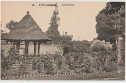 CPA Sceaux  (92) Le Lycée Lakanal   La Roseraie, Au Loin La Tour Hennebique     Ed Montet TBE - Sceaux