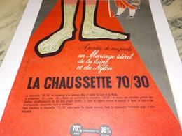 ANCIENNE PUBLICITE A PORTEE DE VOS PIEDS 70/30 CHAUSETTE   1957 - Otros