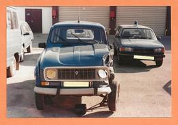 PHOTO ORIGINALE - ACCIDENT DE VOITURE RENAULT 4L DE GENDARMERIE + PEUGEOT 305 BREAK - R4 R 4 - CRASH CAR - Coches