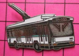 Sp07 Pin's Pins / Beau Et Rare / THEME : TRANSPORTS / AUTOBUS URBAIN ELECTRIFIé BLANC ET TURQUOISE BR100 - Transportation