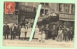 K644 - BEAUVAIS - Fêtes Des Fleurs Et De L'enseignement - Le Char De La République - Confiserie - Beauvais