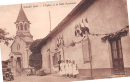 ILLIAT - L'Eglise Et La Salle Paroissiale - Automobile - Andere Gemeenten