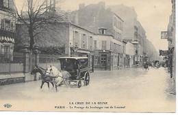 A/158           75       Paris      Inondations De 1910      Le Passage Du Boulanger Rue De Lourmel - Überschwemmung 1910