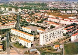 86 Poitiers La Cité St Saint Cyprien Le Centre Commercial Place De France , Immeubles Immeuble HLM Habitation Logement - Poitiers