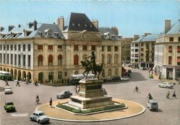 ORLEANS PLACE DU MARTROI VOITURES - Orleans