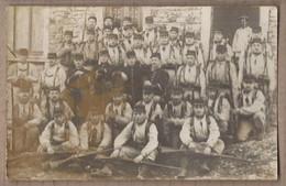CPA PHOTO MILITARIA - TB PLAN En CP PHOTO GROUPE MILITAIRES Régiment ? Avec FUSILS - CLASSE 1913 - Regiments
