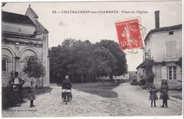 Châteauneuf Sur Charente, Place De L'église - Chateauneuf Sur Charente