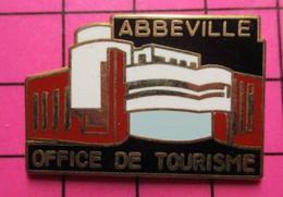 121 Pin's Pins / Beau Et Rare / THEME : VILLES / OFFICE DU TOURISME D'ABBEVILLE - Cities