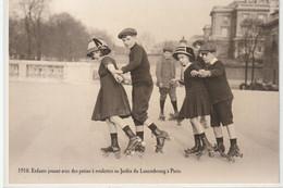 AUTRES COLLECTIONS 28 : 1910 Enfants Jouant Avec Des Patins A Roulettes Au Jardin Du Luxembourg A Paris : édit. Atlas - Other