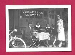 PHOTO 9 X 6,5 Cm Des Années 1930..  FEMMES (PIN-UP) Terrasse De Café.. Fonds Photographique BOURGAULT à FLERS (Orne 61) - Pin-ups
