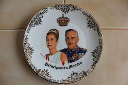 Souvenir De Monaco  Princesse Grace & Prince Rainier Assiette En Porcelaine TB.... - Obj. 'Remember Of'