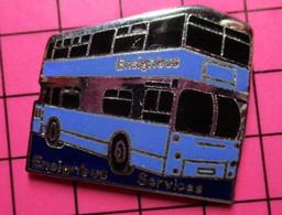 SP02 Pin's Pins / Beau Et Rare / THEME : TRANSPORTS / BRITANNIQUE BLEU ET NOIR URBAIN AUTOBUS By Jove ! - Transportation