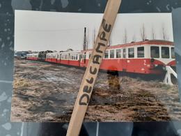 SNCF : Photo Originale Anonyme 13 X 18 Cm : Remorques Et Autorails X 3800 En Attente De Démolition à NEVERS (58) - Trains