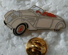 Pin's - Automobiles - Peugeot - 202 Cabriolet - Blanche - - Peugeot