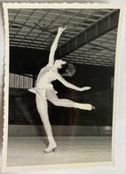 Photo De Sport. Championnat De Patinage Artistique. Figure De Patinage. Arielle Contamine. - Deportes