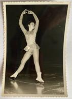 Photo De Sport. Championnat De Patinage Artistique. Figure De Patinage. Elisabeth Louesdon. - Deportes