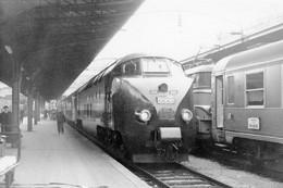 """Paris-Est. Rame Trans Europ Express Hollando-Suisse. TEE """"L'Arbalète"""" Pour Zürich. Cliché Jacques Bazin. 20-10-1964 - Trains"""