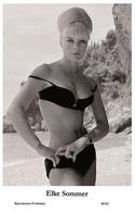 ELKE SOMMER - Film Star Pin Up PHOTO POSTCARD - 40/62 Swiftsure Postcard Year 2000 - Unclassified