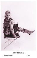 ELKE SOMMER - Film Star Pin Up PHOTO POSTCARD - 40/70 Swiftsure Postcard Year 2000 - Unclassified