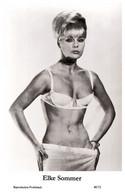 ELKE SOMMER - Film Star Pin Up PHOTO POSTCARD - 40/72 Swiftsure Postcard Year 2000 - Unclassified
