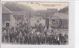 Environs De Douai - ANICHE - Verrerie De L'Union - Sortie De La Glacerie * CPA En Très Bon état - Douai