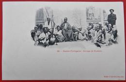 Cpa GUINEE PORTUGAISE Groupe De Foulahs - Guinea-Bissau