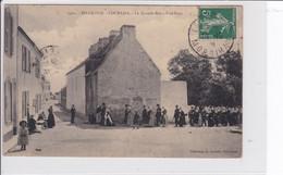 Environs De Lorient  -  BELLE-ISLE  -  LOCMARIA  *  La Grande Rue - Une Noce  -  CPA En Très Bon état - Lorient